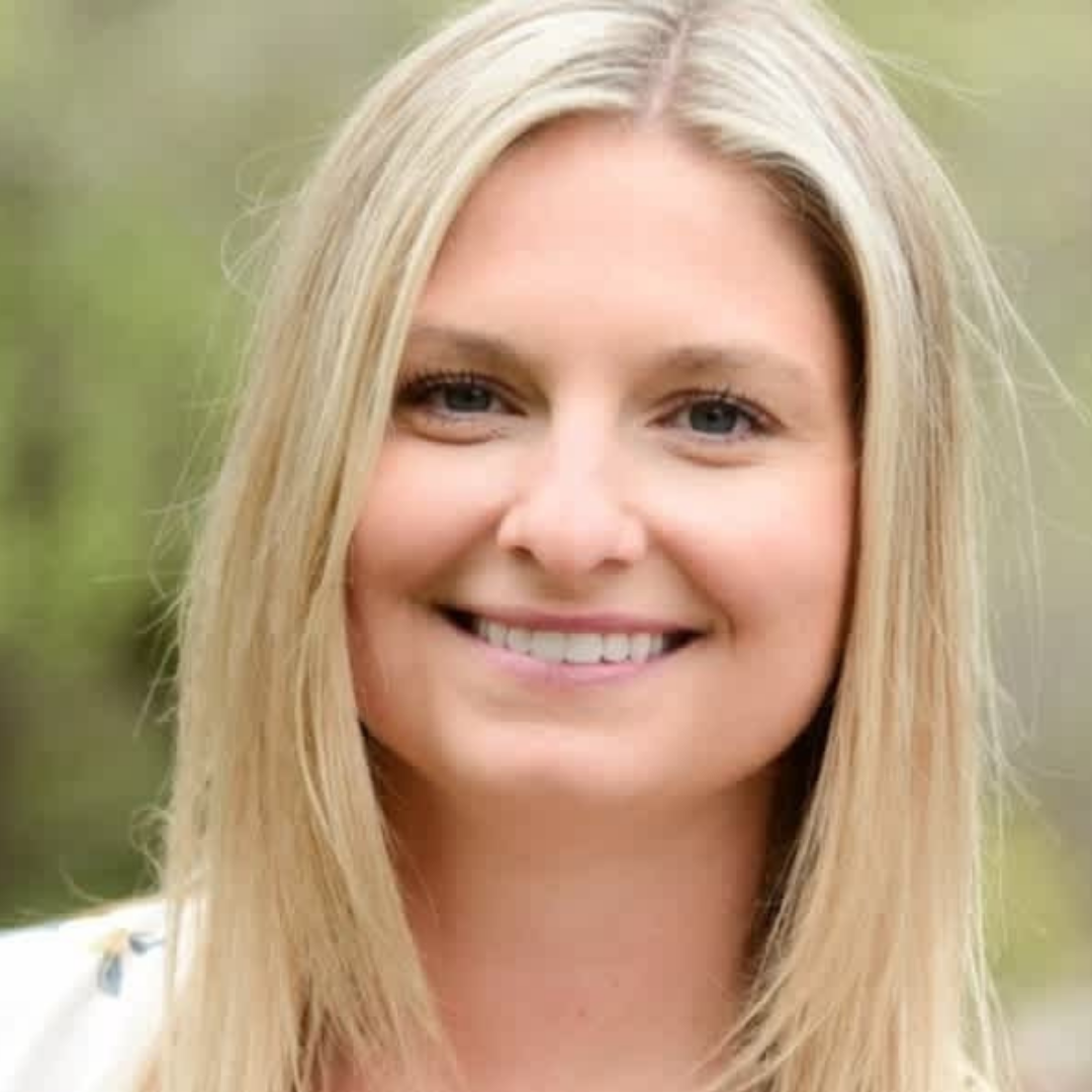 """Photo of Michelle Pietsch, speaker at upcoming SaaS sales training webinar event, Aspireship Live! """"It's About Time,"""" about time management as a sales rep."""